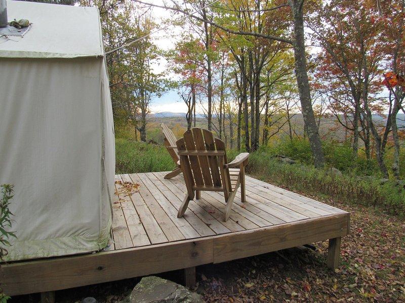 Tentrr Signature Site - Piney Woods Hilltop Retreat, location de vacances à Davenport
