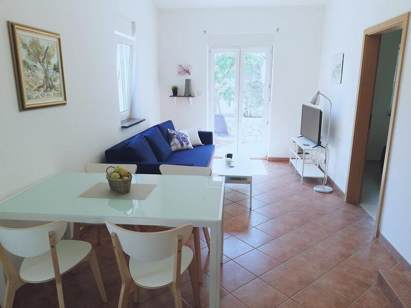 Lavender Apartment I, alquiler de vacaciones en Mandre