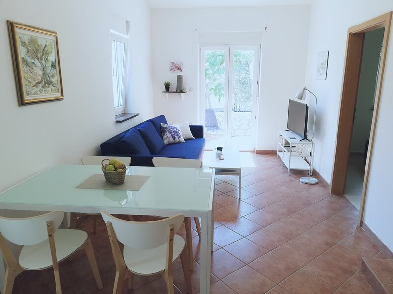 Lavender Apartment I, vacation rental in Mandre
