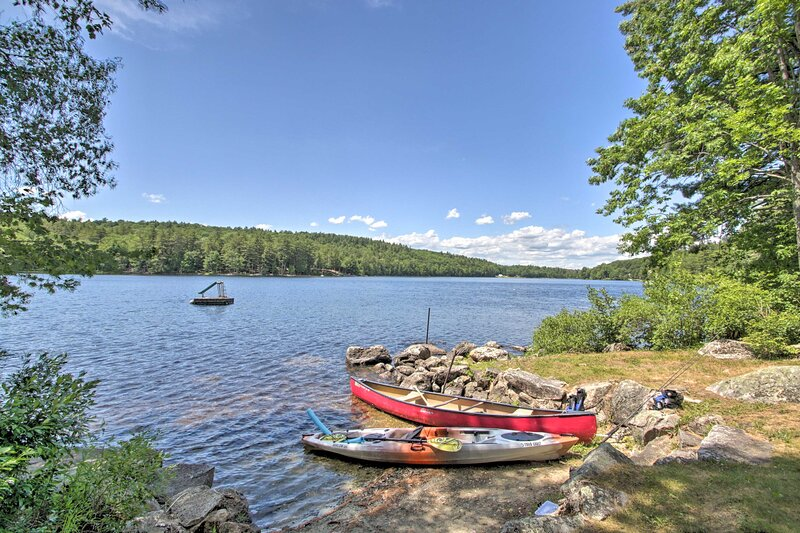 NEW! Maine Lake Country Home: Pond + Water Crafts!, holiday rental in Greene