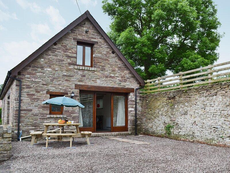 Llaethdy-Milkhouse, vacation rental in Bronllys