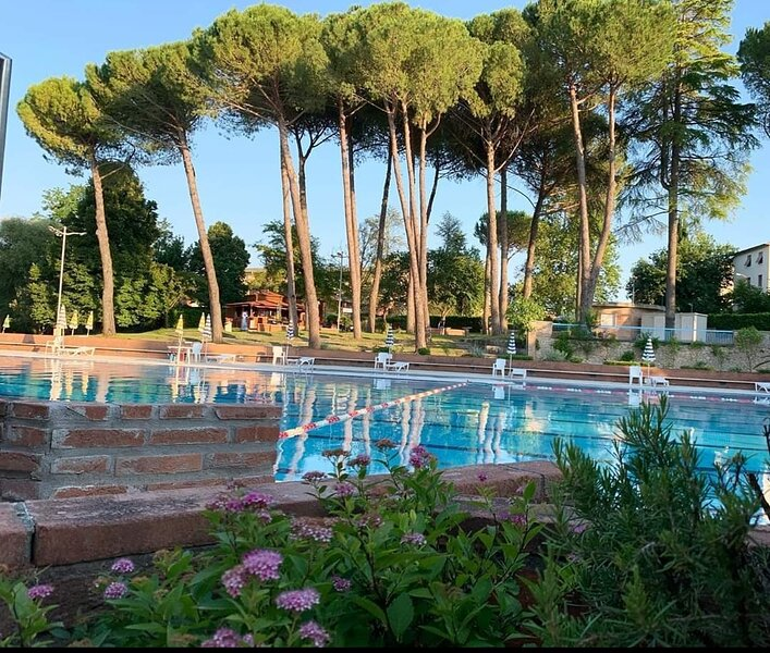 Access (cost: max 7 EUR/day) to local outdoor Olympic pool complex (10 min drive). Open: 15Jun-31Aug