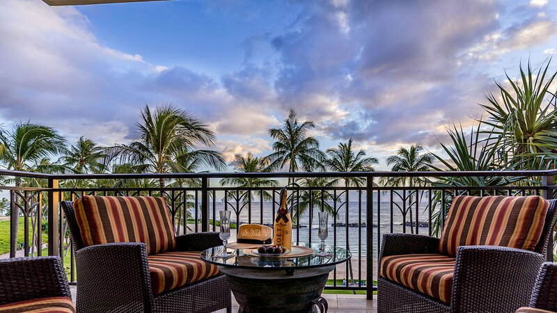 Relaxing Evenings Enjoying Sunset from your Lanai Overlooking the Ocean