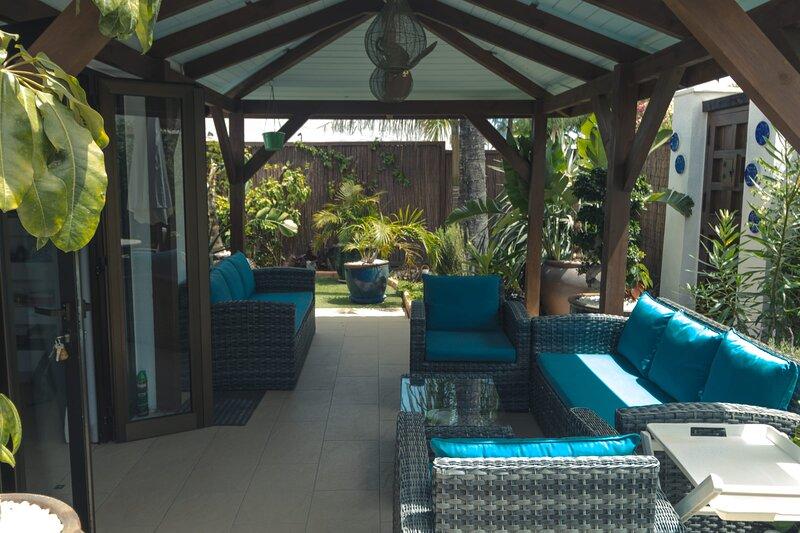 Deluxe Villa with Tropical Garden Maspalomas, vacation rental in Maspalomas