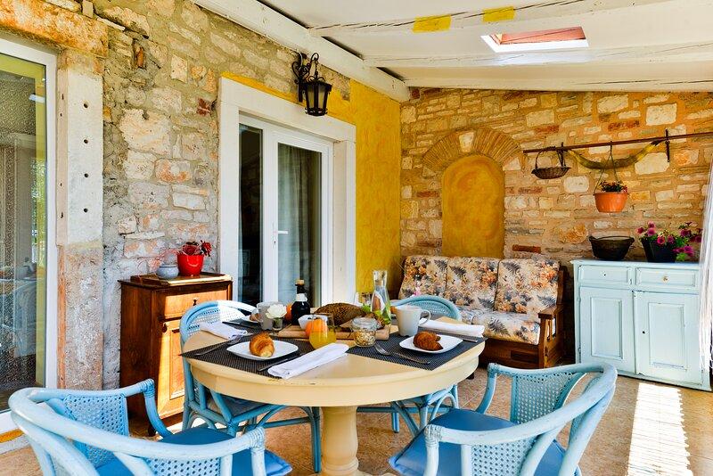 Appartamento 8 con piscina vicino Umag-Kanegra  Wi-Fi parceggio a Savudrija-Umag, holiday rental in Savudrija