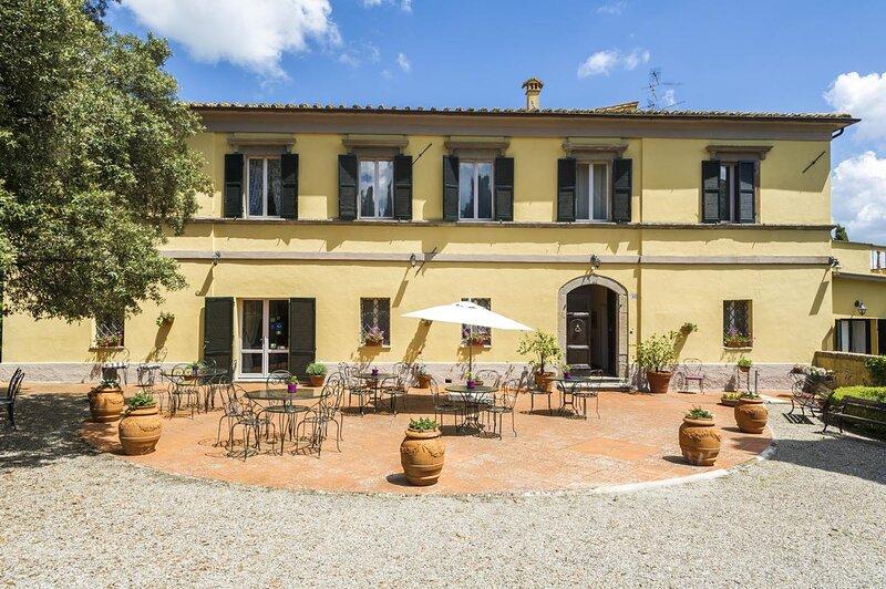 Elegante villa in area UNESCO Val d'Orcia Toscana, aluguéis de temporada em Radicofani
