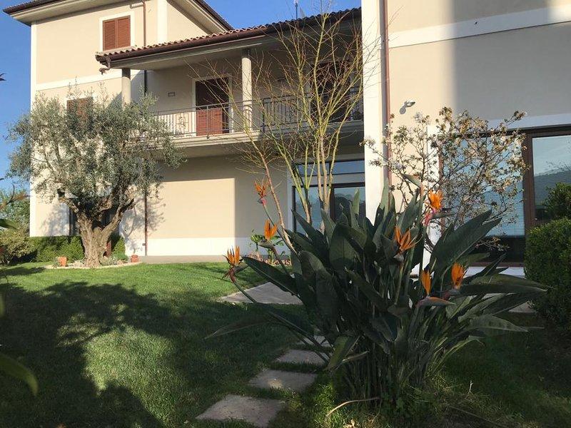 Villa Torre degli ulivi, vakantiewoning in Pietrapaola