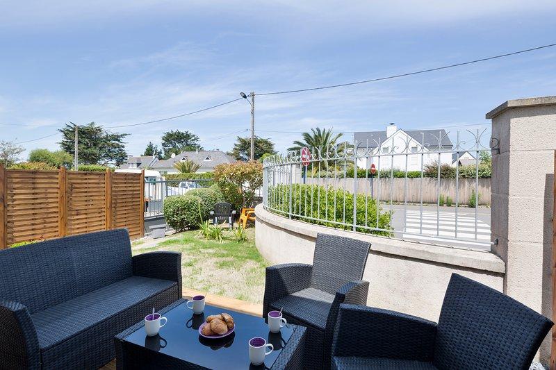 LE REPOS - Jardin ensoleillé - 300 m de la plage - St Lunaire, Ferienwohnung in Saint-Lunaire