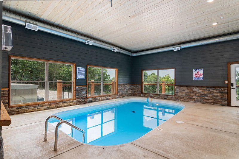 Staycation Lodge with Indoor Pool and Basketball Court, vacation rental in Indian Point