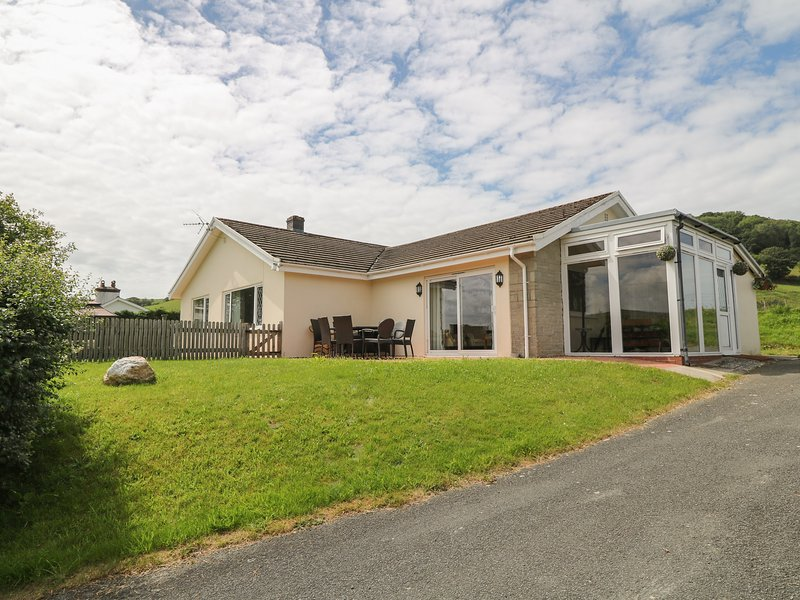 Aberceiro Bungalow, Bow Street, Wales, alquiler vacacional en Aberystwyth