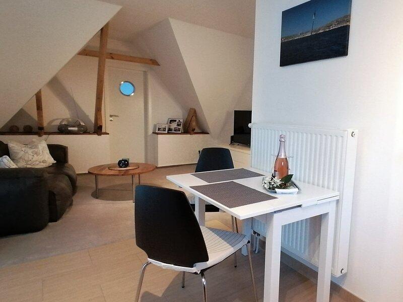 BACKSTAGE Apartment Kiel-Holtenau, holiday rental in Kiel