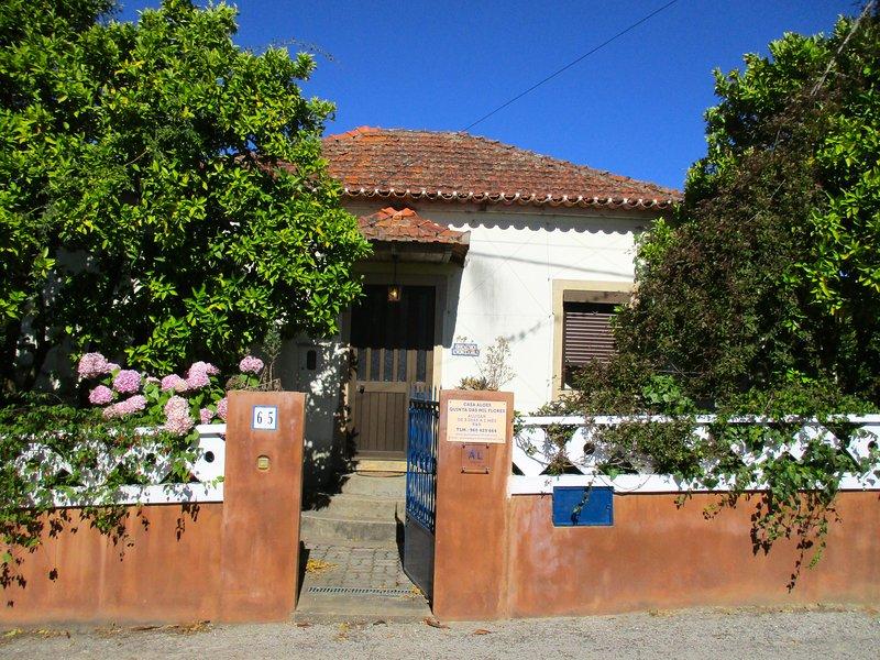 CASA ALOES de LA QUINTA DAS MIL FLORES -BIO-UV SCANNED CLEAN & SAFE ECO-PARADISE, vacation rental in Pedrogao Grande