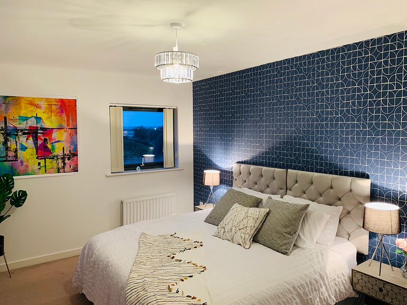 The Hive, Private Room, Barking, Close to London, holiday rental in Barking