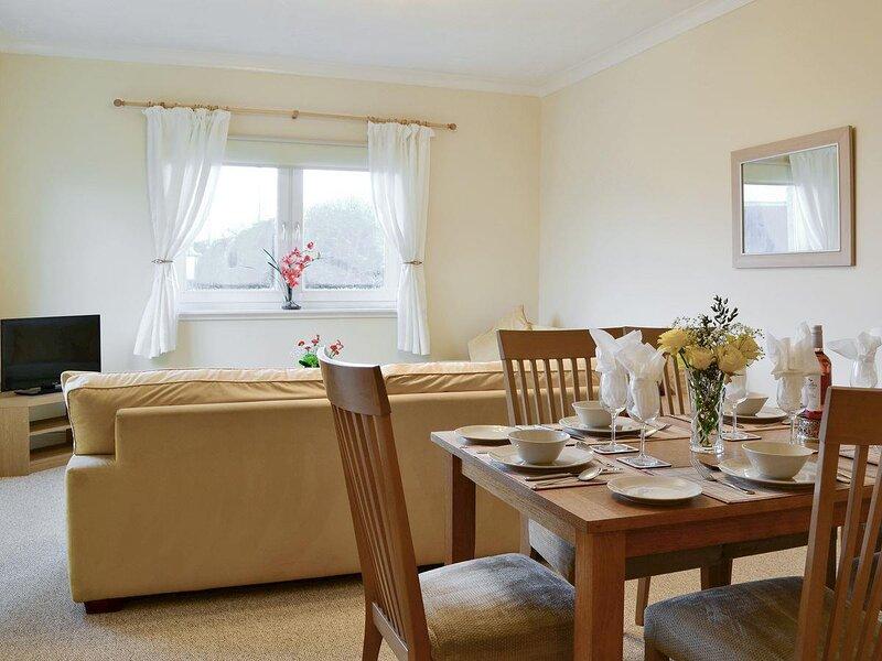 Cedar Lodge - UK5677, vacation rental in Stenhousemuir