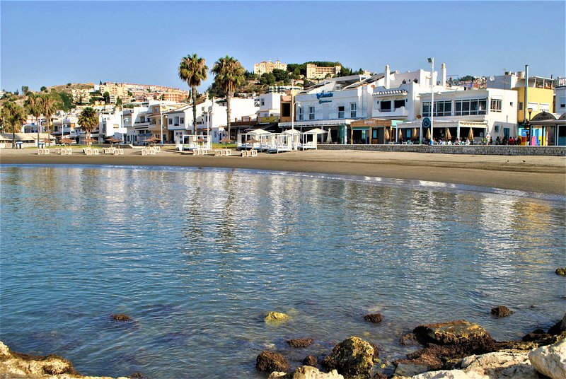 Apartment to rent 30 meters from Pedregalejo beach, holiday rental in Pedregalejo