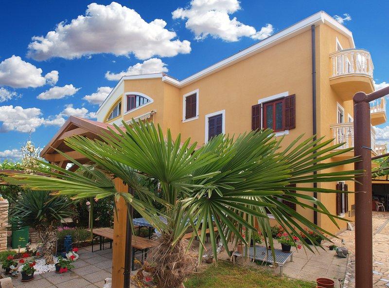 Apartment 10006, holiday rental in Stinjan