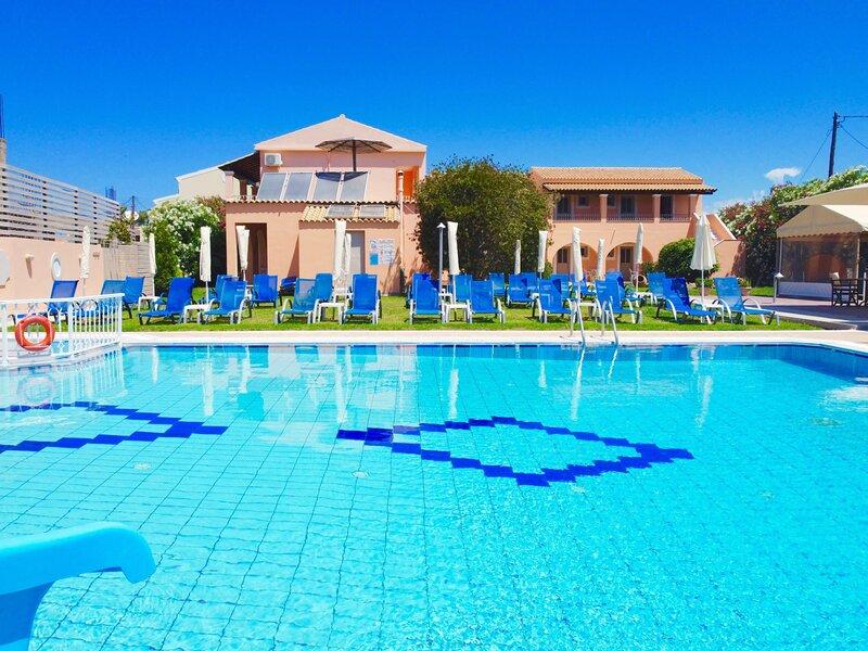 Cherry Apartment - Sidari Center, holiday rental in Ereikoussa