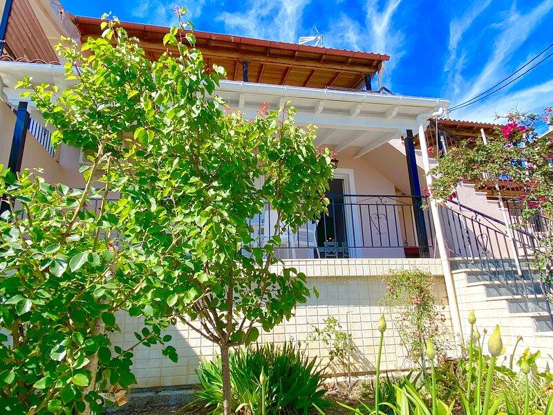 Nissaki Bougainvillea Apartment, location de vacances à Nissaki