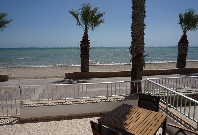 25% re-start discount - Front line beach apartment, casa vacanza a El Carmoli