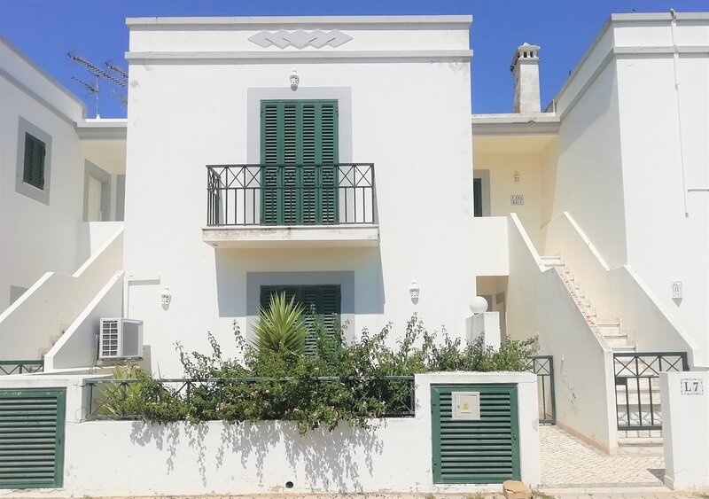 Marinheiro House - 450m from the beach, alquiler vacacional en Manta Rota