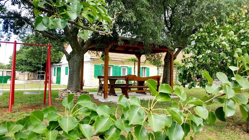 Village House Fafarinka, holiday rental in Lozovac