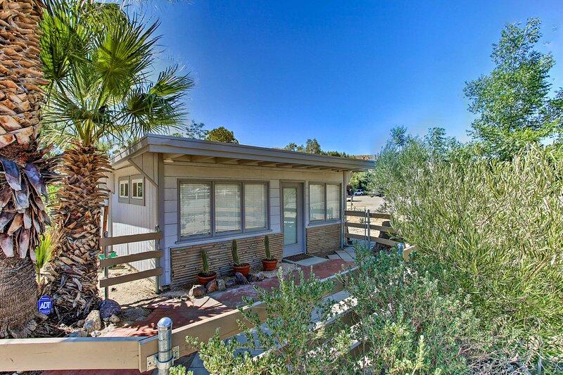 NEW! Morongo Valley Studio: 21 Mi to Joshua Tree!, alquiler de vacaciones en Morongo Valley
