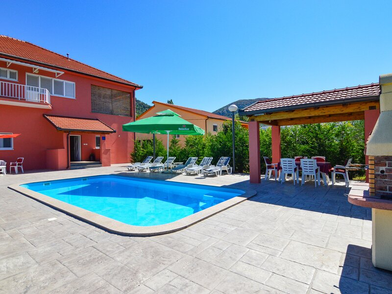 Baba Nevenka (MKA526), vacation rental in Vrgorac