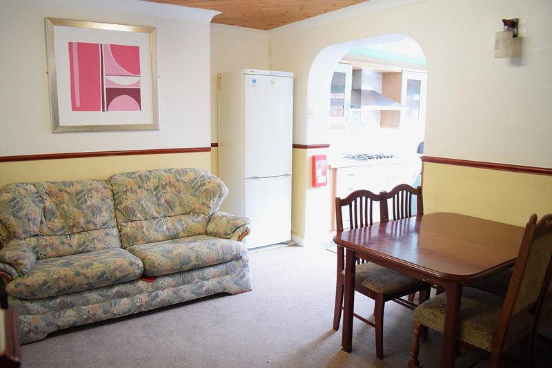 Near Sea Holiday House Bangor, alquiler vacacional en Bangor