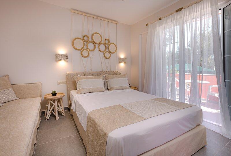 Spiros family apartments - Superior studio, holiday rental in Laganas