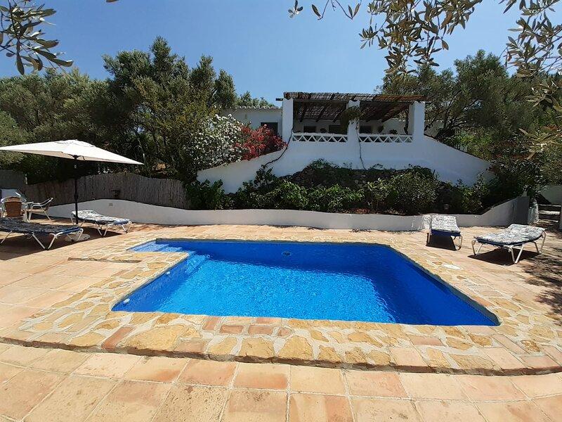Casa de campo típica andaluza a 5,5 km de Frigiliana y 12 km de Nerja y la playa, alquiler de vacaciones en Frigiliana