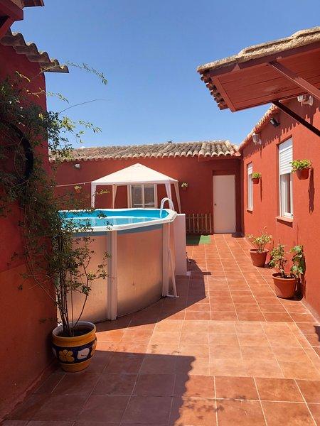 Casa Rural El Arroyo De Los Yebenes, piscina, barbacoa, chimenea!!, Ferienwohnung in Los Yebenes