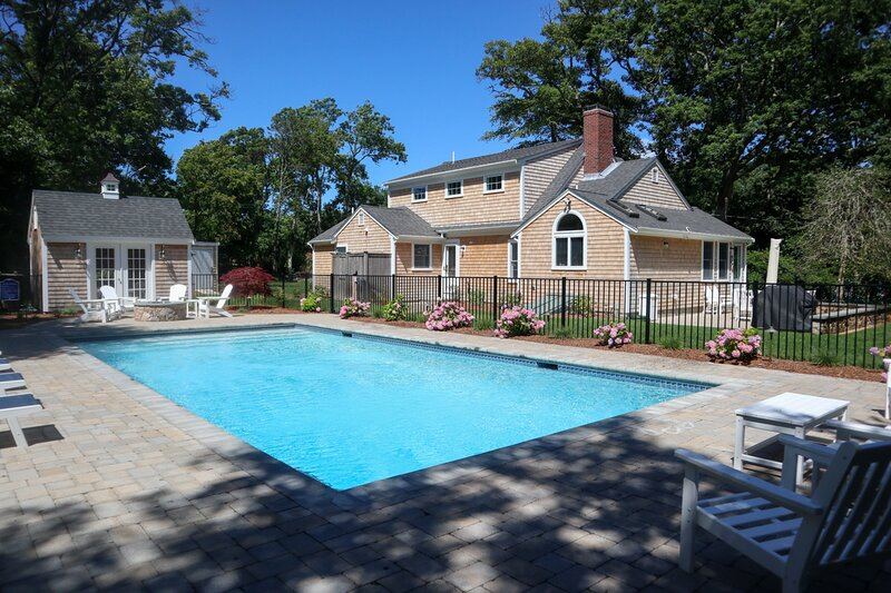 Elegantly Renovated, Walk 3 Min. to Beach -- 113-B, vacation rental in Brewster