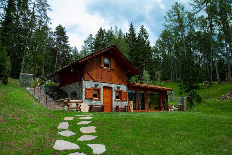 Chalet di lusso immerso nella natura, Ferienwohnung in Ultimo (Ulten)