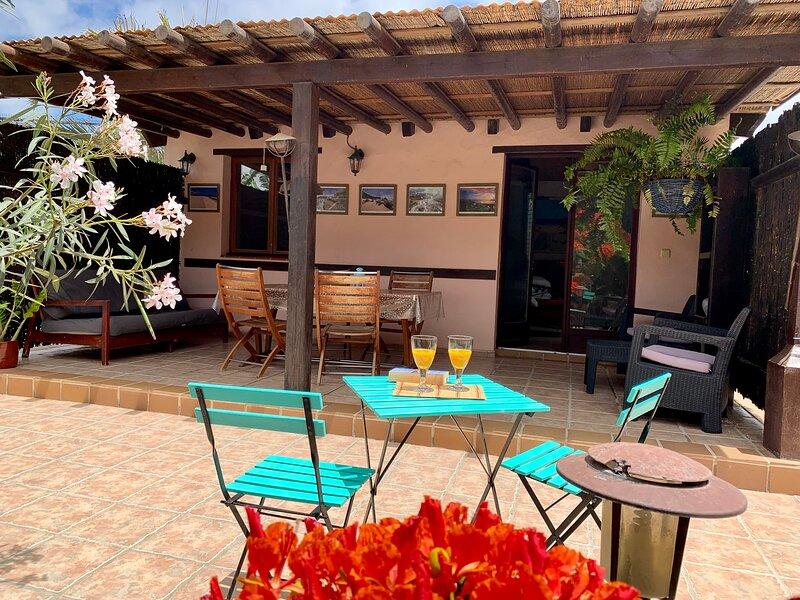 Entrada y terraza independientes de la Villa.