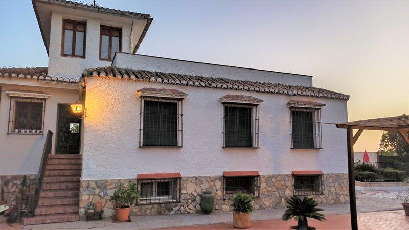 Cortijo Las Moreras, Ferienwohnung in Ogijares