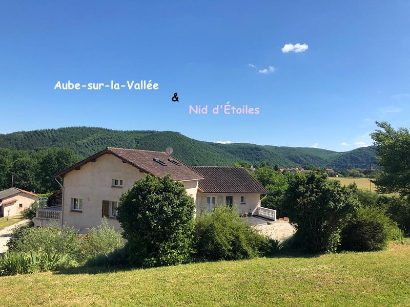Amazing house with shared pool, holiday rental in Cabrerets