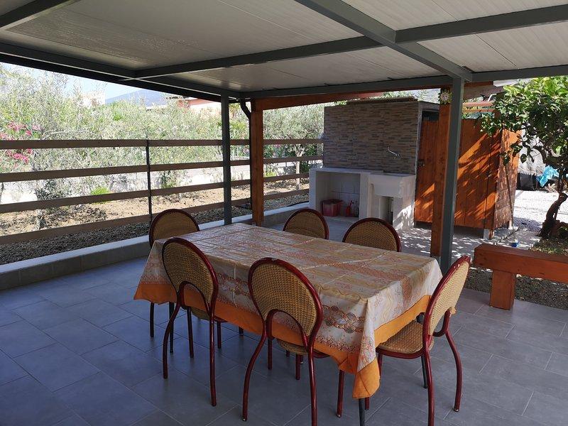 Nice house near the beach & terrace, vacation rental in Piana Calzata