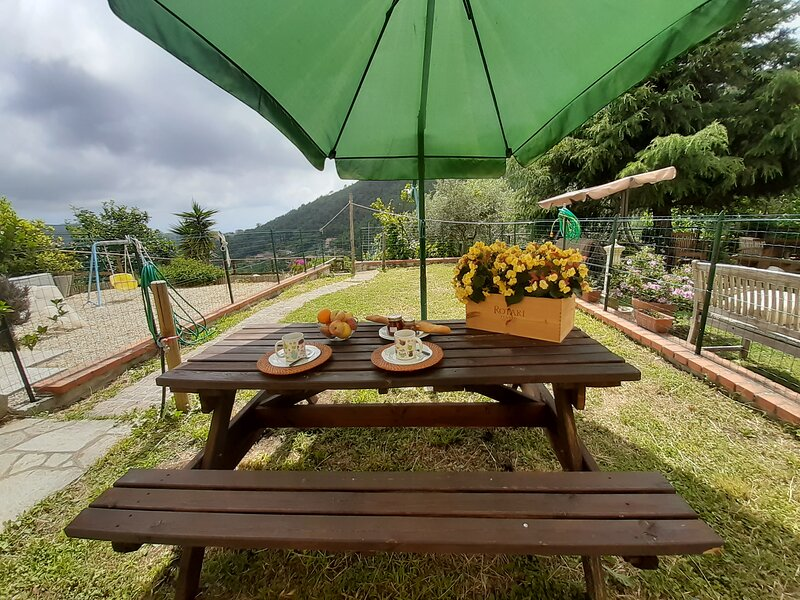 ILA3907 HOUSE HOLIDAY GREEN, holiday rental in Statale