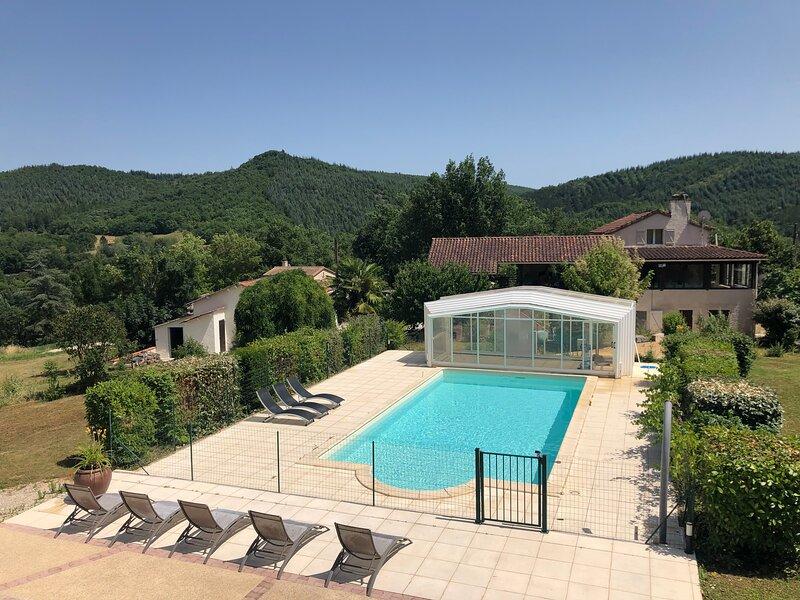 Les Figuiers de Louna - Nid d'Etoiles (105 m² et une belle terrasse), holiday rental in Cabrerets