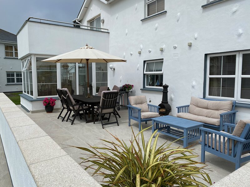 Luxury Holiday Home  to Let in Sunny Rosslare, vacation rental in Rosslare Harbour