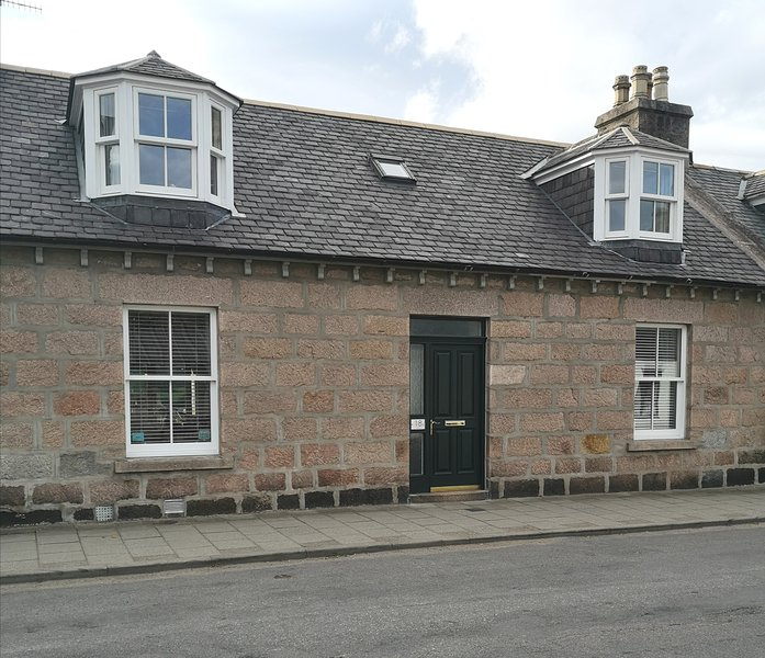 Traditional 3 bedroom cottage, sleeps 6. 18 Golf Road, Ballater, Royal Deeside., alquiler vacacional en Ballater