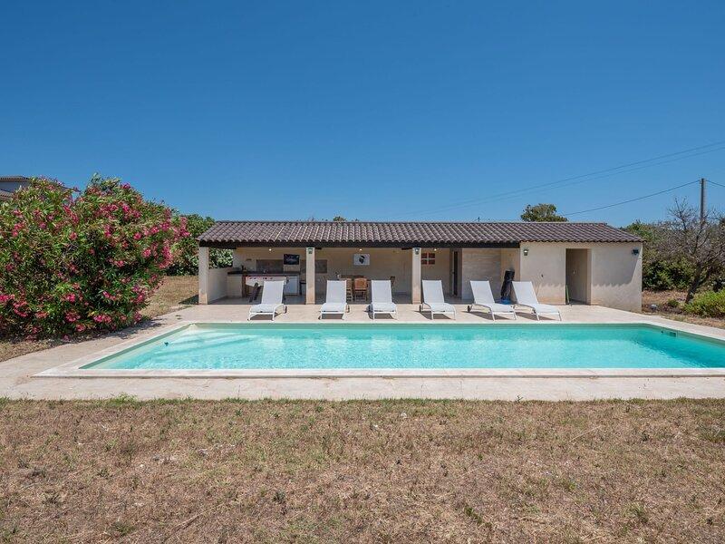 Villa I Tre Fratelli, holiday rental in Pianottoli-Caldarello