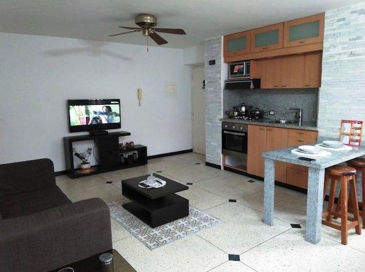 Cómodo y nuevo aparta suites, con Muy buena vista, holiday rental in Caracas
