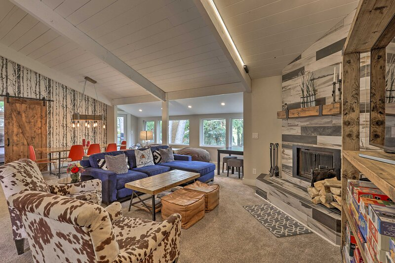 Modern Mountain Escape on Golf Course w/ Hot Tub!, vacation rental in Eagle-Vail