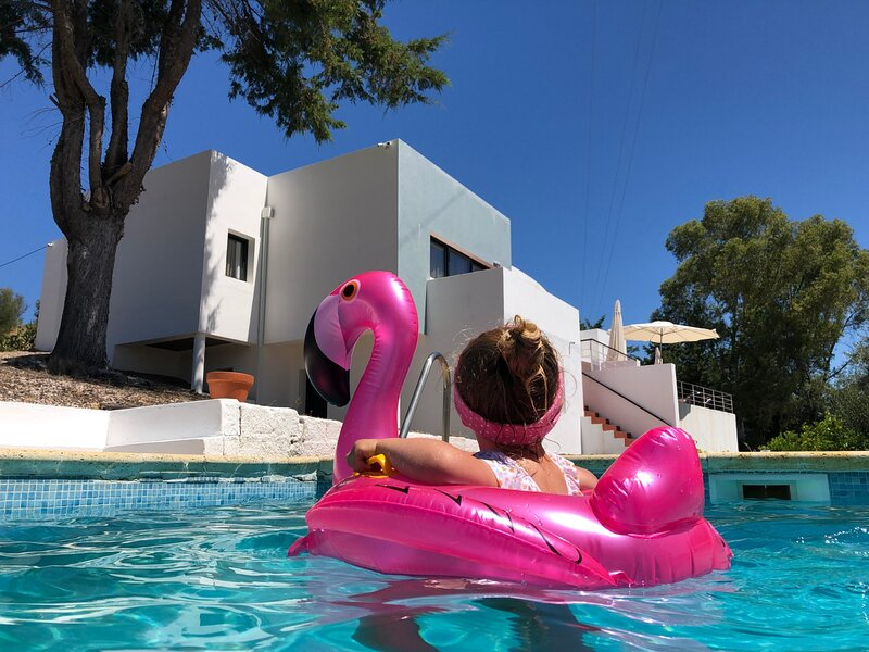 Made iN2 - Creative Guest House, holiday rental in Avis