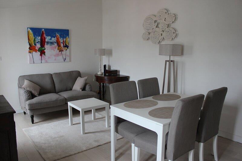 Le Doux Rivage - appartement 2 personnes - location du dimanche au dimanche, holiday rental in La Flotte