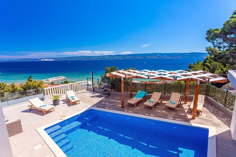 Villa Matan - private 28m2 pool, 4 bedrooms, 4.5 bathrooms, 10 persons MAX