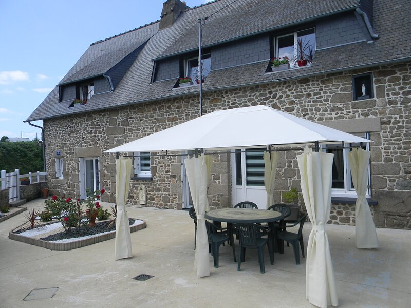 Chambres d'hôtes DM - 3Ch /6 personnes PROMO 2021, holiday rental in Antrain