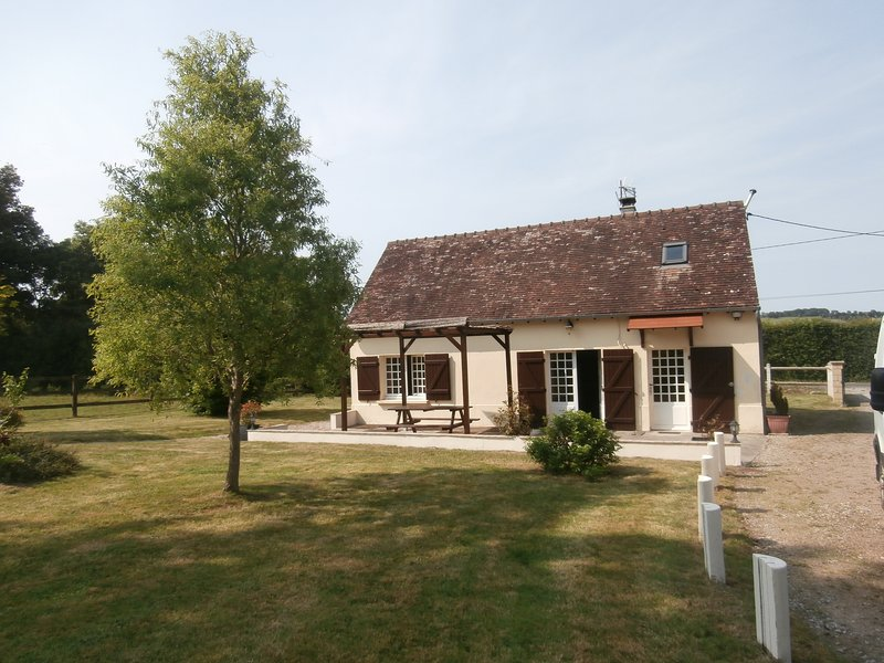 GÎTE-Cottage normand à 5Km Haras du Pin, holiday rental in Fay