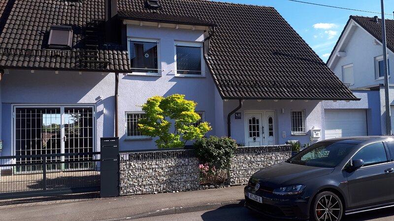 'Villa Moritz' - zentral, günstig, Nähe Messe Stuttgart/FH Stuttgart, Ferienwohnung in Nürtingen